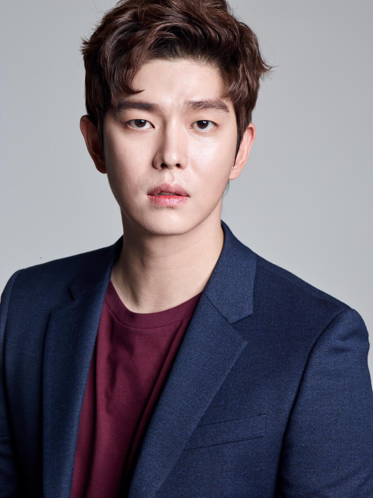 Yoon Kyun Sang wajib militer
