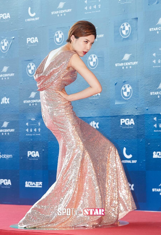 jang do yeon red carpet