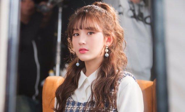 Jeon Somi Putuskan Kontrak dengan JYP, Benarkah Karena Skandal?