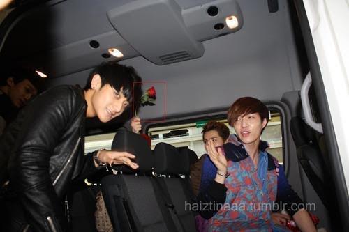 Kelakuan Sasaeng Fans ke Idol Kpop yang Ganggu Banget - iniKpop